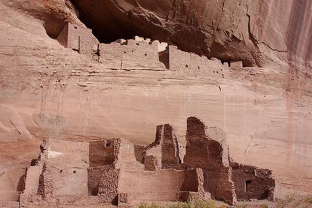anasazi ruins: Ancient Anasazi White House Ruins in Canyon de Celly National Park on the Navajo Reservation in Arizona Stock Photo