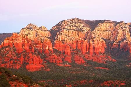 アリゾナ州セドナのオーク クリーク ・ キャニオンの日没