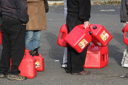 petrolium: People waiting in line to get gas after Hurricane Sandy in New Jersey