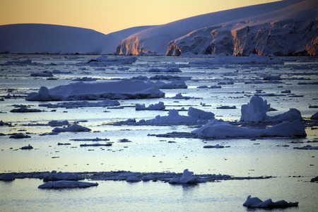 antarctic peninsula: Lamaire Channel on the Antarctic Peninsula in Antarctica