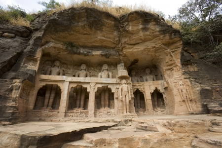 madhya: 7th Century Jian rock sculptures in Gwalior in the Madhya Pradesh region of Central India