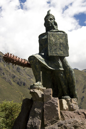 sacred valley: Statue of Inca king at Ollantaytambo in the Sacred Valley of the Incas - Peru in South America