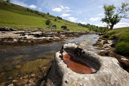 yorkshire dales: El r�o amarillo en Langstrothdale en el Parque Nacional de Yorkshire Dales en el norte de Inglaterra