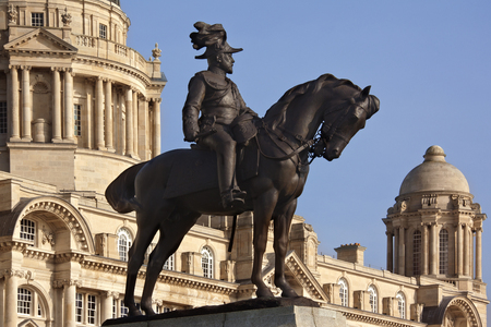 mersey: The Port of Liverpool Building and the statue of King Edward VII  Stock Photo