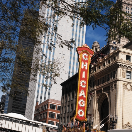theater sign: Signo Theater en el centro de Chicago, en el estado de Illinois en los Estados Unidos de Am�rica. Editorial