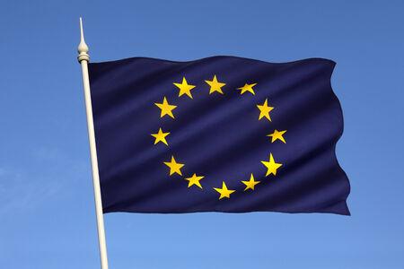 zone euro: Le drapeau de l'Europe est l'embl�me du Conseil de l'Europe et l'Union europ�enne Il est �galement souvent utilis� pour indiquer les pays de la zone euro, et, de mani�re plus l�che, pour repr�senter le continent de l'Europe Banque d'images