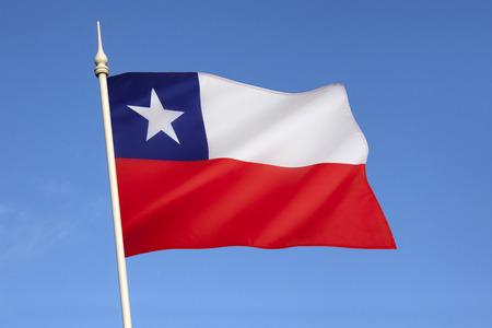 bandera chilena: Se adoptó la bandera nacional de Chile el 18 de octubre 1817 La bandera chilena es también conocido en español como La Estrella Solitaria Foto de archivo