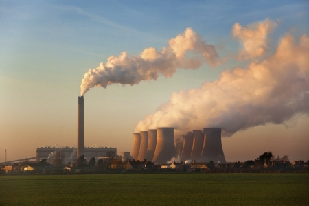 coal fired: A coal fired power station in Lincolnshire in the United Kingdom