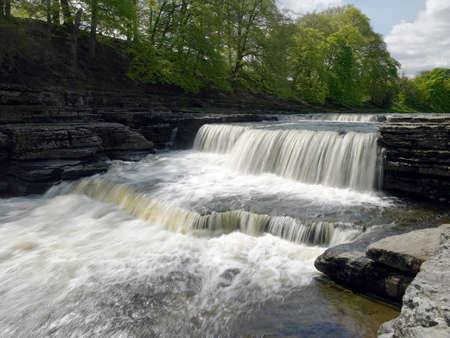 wensleydale: Aysgarth Falls in Wensleydale in the Yorkshire Dales in Northern England  UK Stock Photo