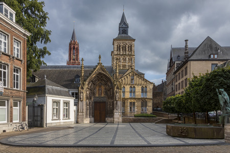 grave site: The Roman Catholic Basilica of Saint Servatius in the town of Maastricht in the Netherlands. The present-day church is probably the fourth church to be built on the site of the grave of Saint Servatius, an Armenian missionary who was bishop of Tongeren an Stock Photo