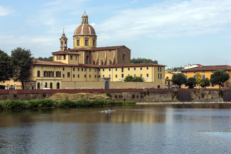 river arno: View over the River Arno towards the Basilica di Santo Spirito (Basilica of the Holy Spirit) in Florence, Italy. Usually referred to simply as Santo Spirito, it is located in the Oltrarno quarter of the city.