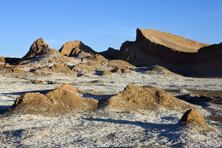 LUNA: Late afternoon sun in the Valley of the Moon (Valle de la Luna) in the Atacama Desert in Northern Chile.