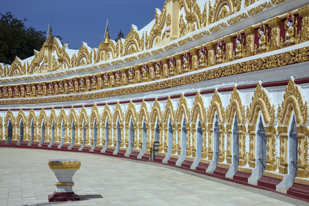 U Min Thonze Cave - A greatly revered Buddhist temple at Sagaing in Myanmar (Burma) Stock Photo