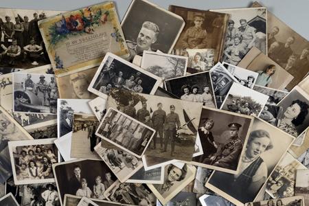 Généalogie - Histoire familiale - Anciennes photographies de famille datant d'environ 1890 à environ 1950.