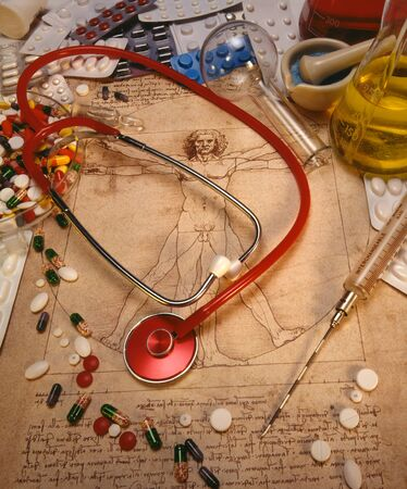 Medical still life - drugs, diagram and stethoscope Stockfoto