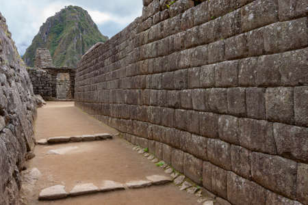 The Inca city of Machu Picchu in Peru, South America. Although known locally, it was not known to the Spanish during the colonial period and was unknown to the outside world until American historian Hiram Bingham brought it to international attention in 1911. Foto de archivo