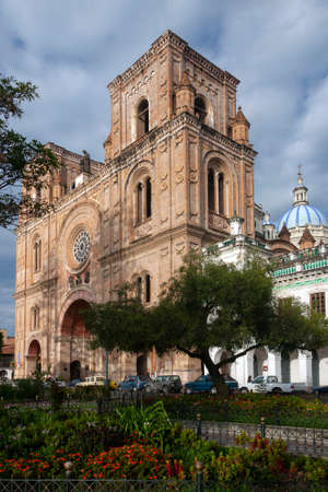 The Cathedral of the Immaculate Conception, commonly referred to as the New Cathedral. Cuenca in Ecuador, South America. Construction work started in 1885 and lasted for almost a century. Foto de archivo