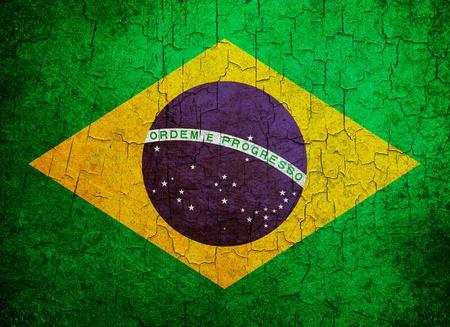Brazilian flag on a cracked grunge background Standard-Bild