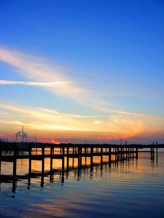 llave de sol: Azul hermoso atardecer en Florida Keys