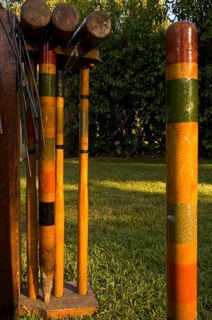 Closeup van croquet set, genomen bij zonsondergang