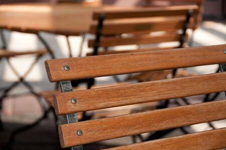 나무 의자에 얕은 foucus