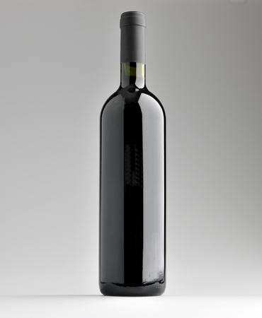 bottle wine: red wine bottle without label