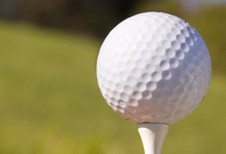 Close-up of a golf ball and tee Stock Photo - 625273
