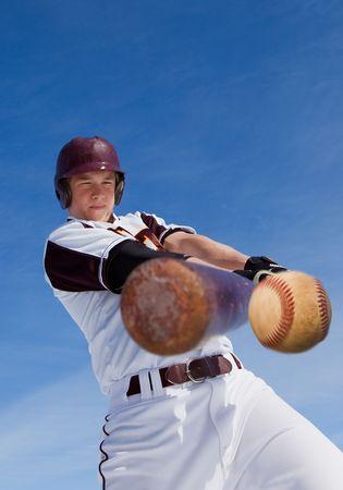 野球にスイングをのんで、野球選手 写真素材