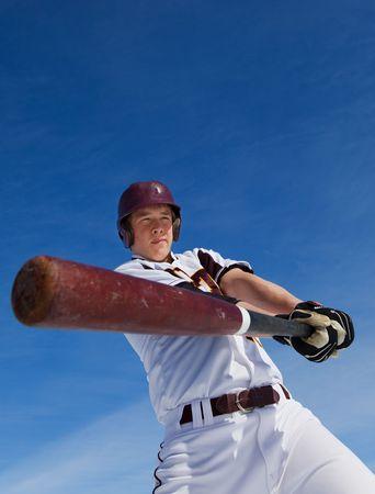 columpios: Un jugador de b�isbol a una oscilaci�n en la primavera de formaci�n