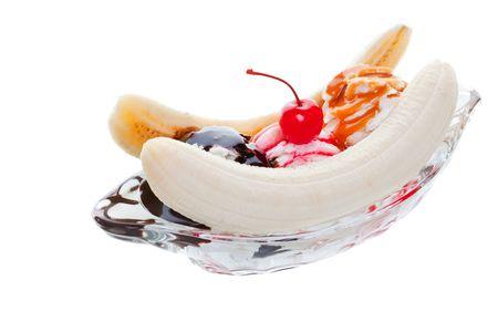 白い背景で隔離バナナスプリット アイスクリーム スタジオ 写真素材