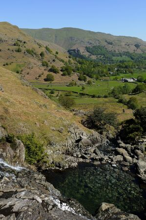 branquia: Easedale Valley y Sour Milk Gill cerca de Grasmere pueblo de Lake District National Park Inglaterra