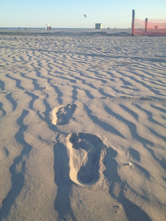Taken in Wildwood NJ. Footprints in the sand. Stock Photo - 21123816