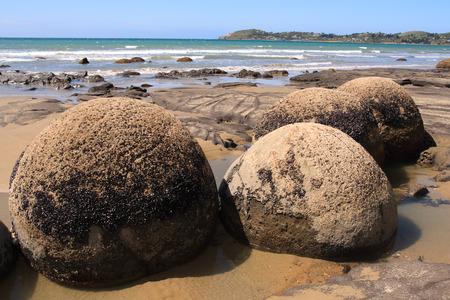 boulders: Moeraki Boulders, new zealand Stock Photo