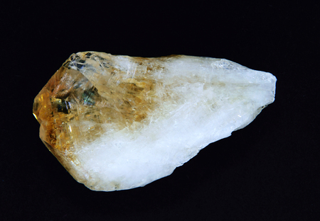mineralogy: Citrine quartz.beautiful example of this Crystal. The field of view of this macro image is 2 cm.