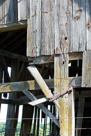 crumbling: Crumbling Barn