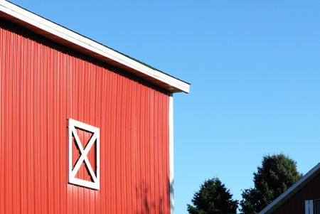 Blue Sky and Red Barn Stock Photo - 6971343