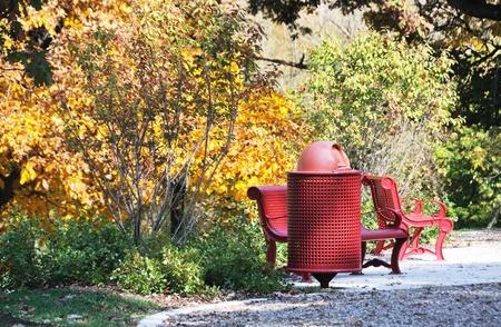 trashcan: Red Trashcan