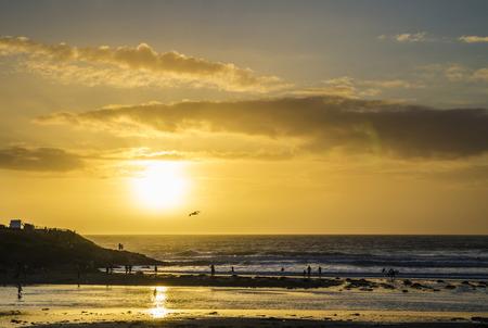 sunset at polzeath beach , cornwall, uk Banco de Imagens