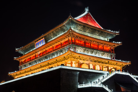 Drum tower of Xi'An by night, China Imagens