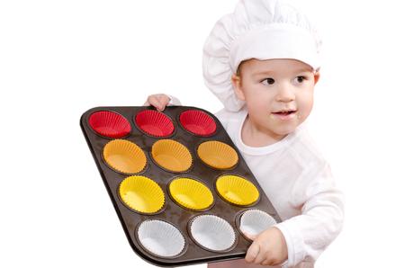 bakplaat: kleine jongen met grillplaat