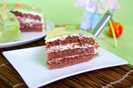 frhling: Dreist�ckige Torte mit Marzipan�berzug   Three-tiered cake with marzipan coating