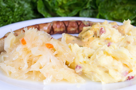 pure de papas: Thuringian sausage with sourcrout and mashed potatoes