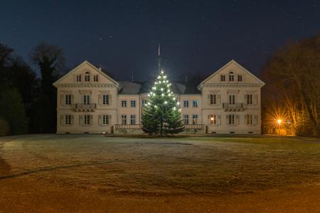 rotunda: Villa Eugenia in Hechingen at night with christmas tree Stock Photo