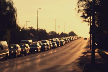 交通: 早朝で交通渋滞の写真がぼけてます。