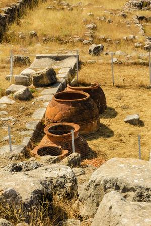 siervo: Ruinas de la antigua ciudad Hattusha: la capital hitita, Turqu�a