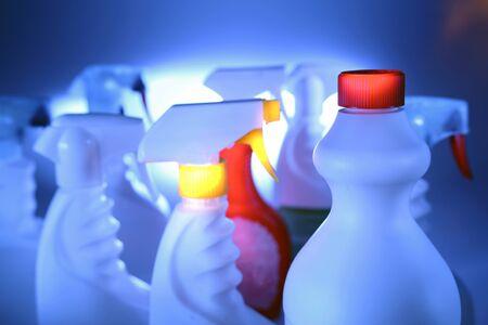 d�sinfectant: Nettoyage des bouteilles  Banque d'images