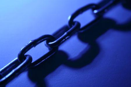 chainlinks: Steel chain links
