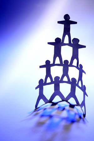 piramide humana: Pir�mide humana