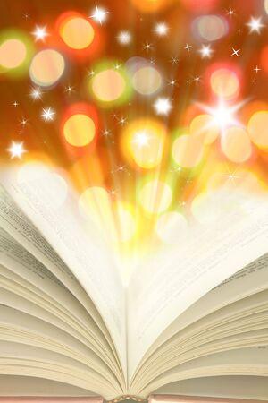 bible ouverte: Livre ouvert et lumi�res color�es