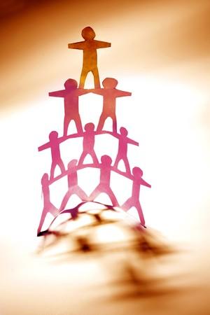 piramide humana: Grupo de pir�mide humana de las personas
